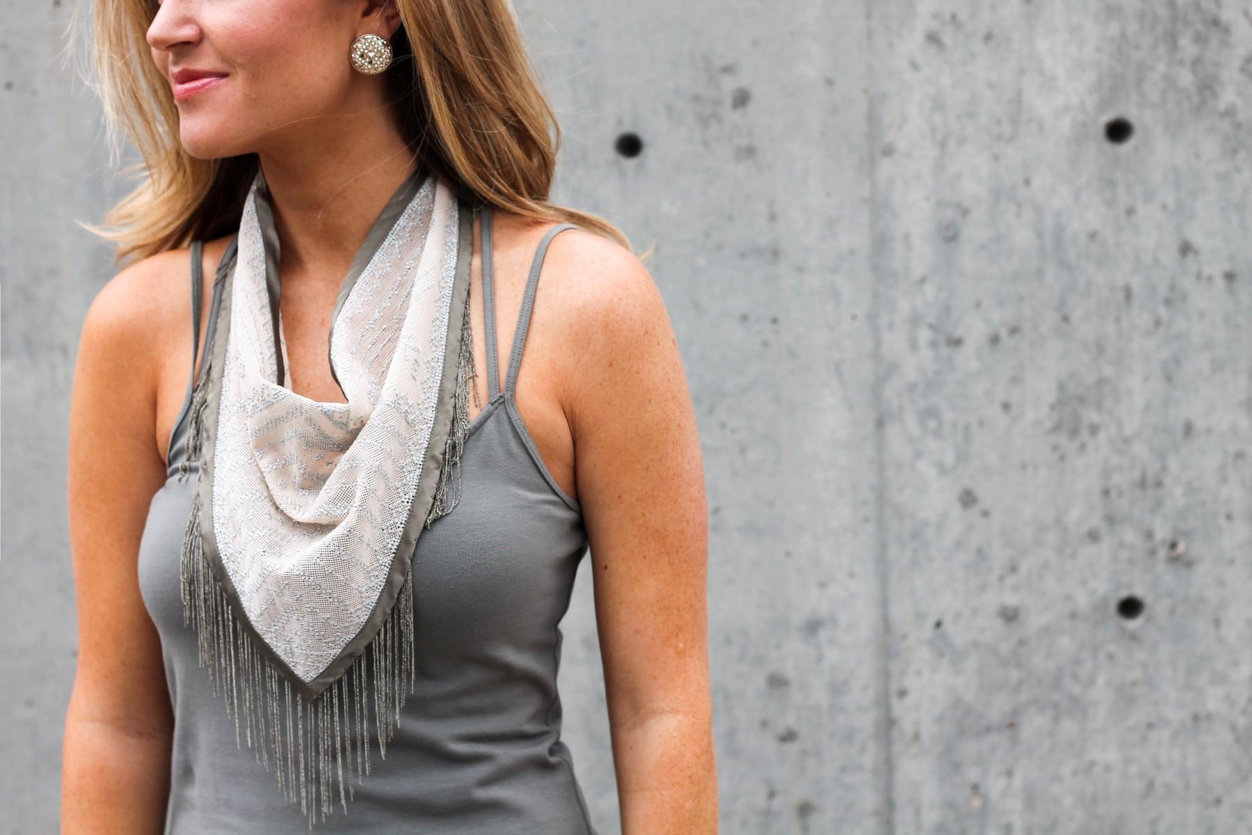 how to wear a Neckerchief