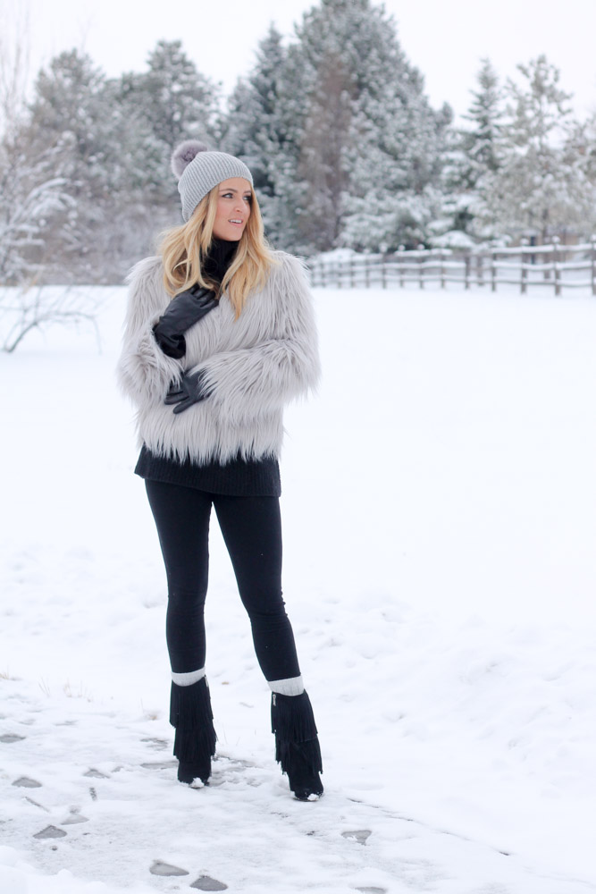 Amber from Every Once in a Style wearing a chic winter outfit