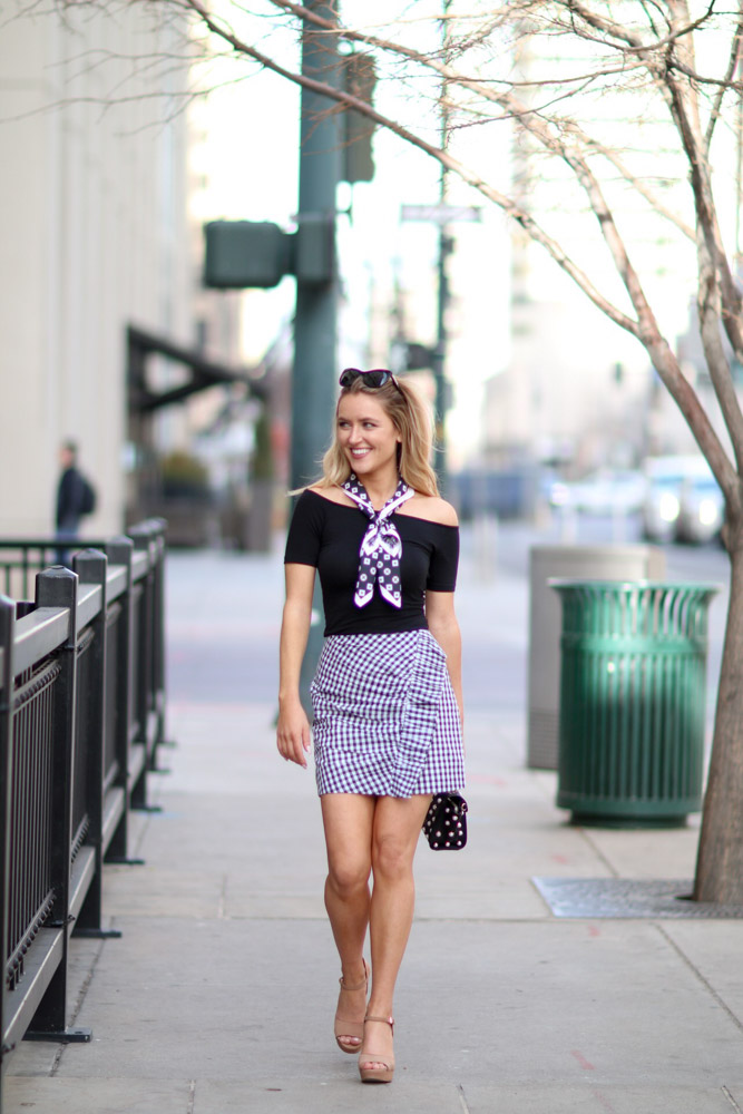 Amber from Every Once in a Style is wearing revolve  lovers and friends  Lisa skirt