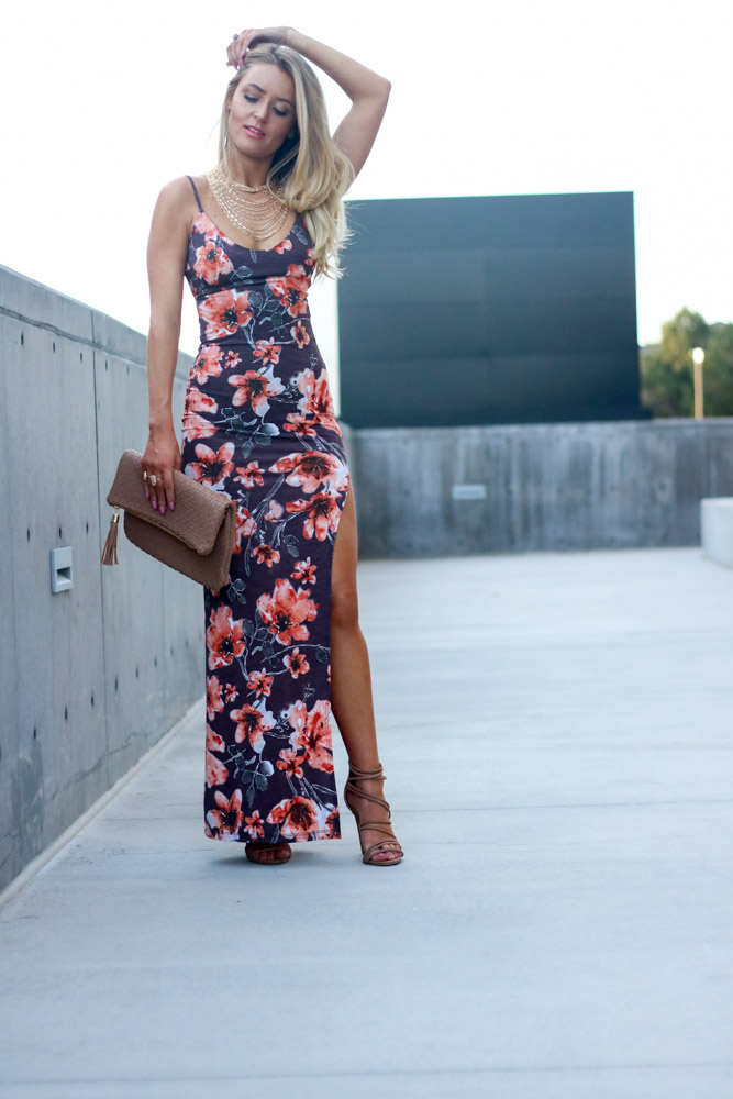 Amber from Every Once in a Style wearing || floral maxi dress