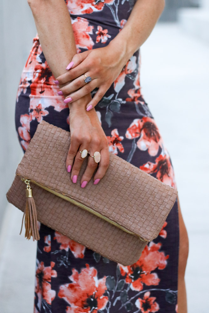 amber from Every Once in a Style is wearing || fold over clutch || statement rings